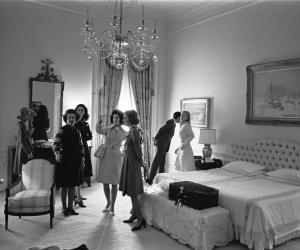 АНУ-ын үе үеийн Ерөнхийлөгчдийн унтлагын өрөө хар цагаан хальснаа