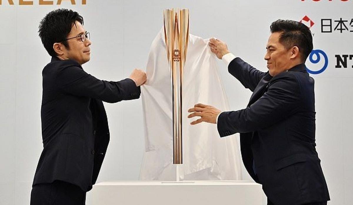 Токио-2020 олимпийн галт бамбарыг танилцууллаа