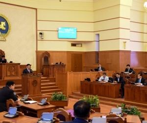Ерөнхий сайд Монгол Улсад мэдлэгийн хүчийг төвлөрүүлнэ гэлээ