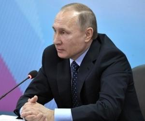 В.Путин эмэгтэйчүүдэд шүлгээр мэндчилгээ дэвшүүлэв