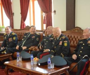 ФОТО: Хилийн цэргийн салбараас төрсөн генералуудад хүндэтгэл үзүүллээ