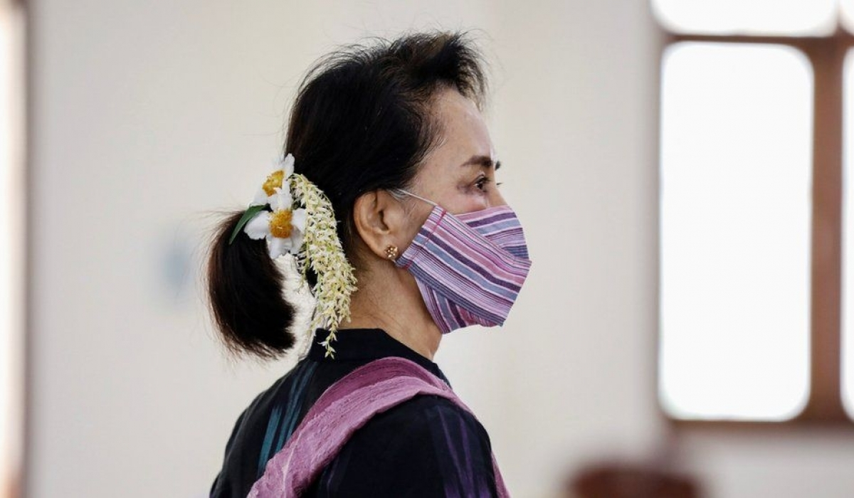 Мьянмарт төрийн эргэлт гарч, Аун Сан Су Чиг баривчилжээ
