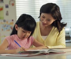 ЗӨВЛӨГӨӨ: Хүүхдийнхээ хичээлийг давтуулах хамгийн шилдэг арга