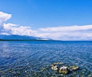 ОХУ Байгаль нуурын цэвэр усыг Хятадад импортолж байна