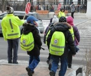 Бага насны хүүхдийг ганцааранг нь замын хөдөлгөөнд оролцуулбал торгоно