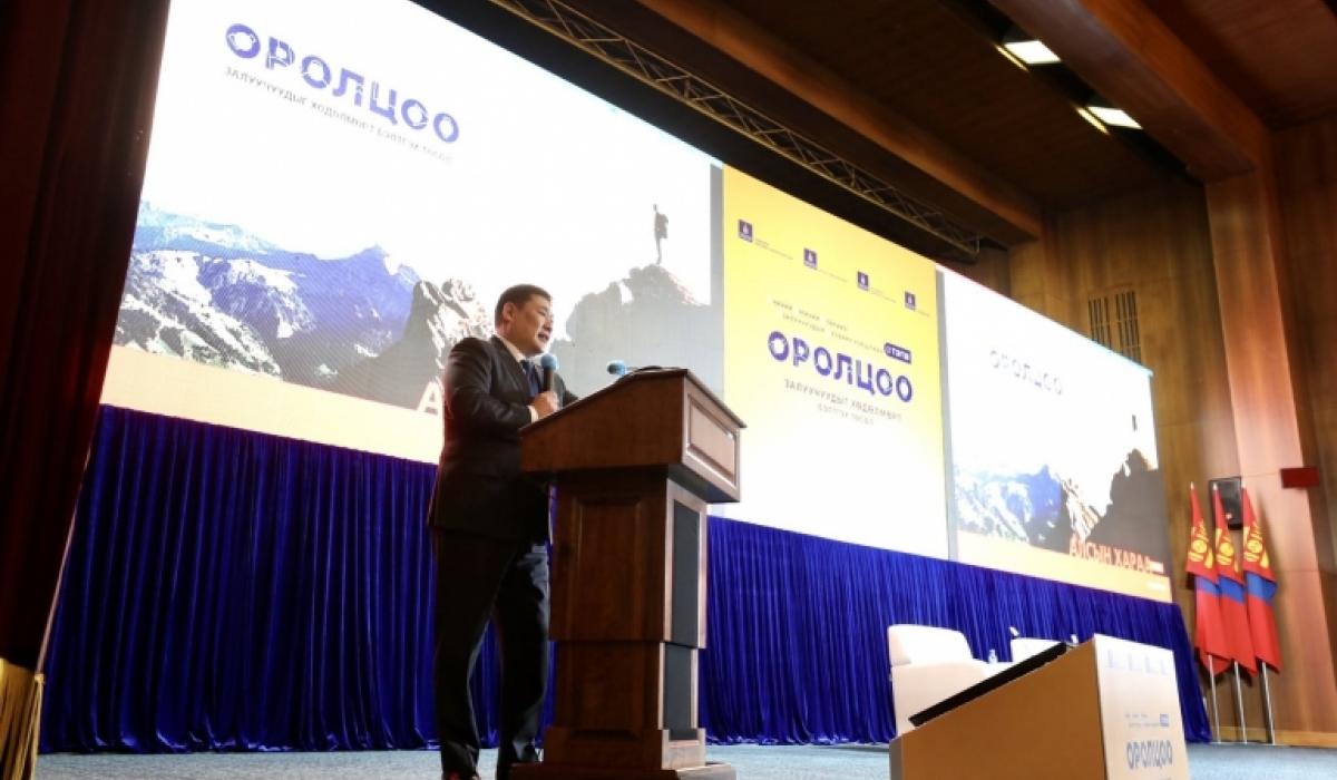 Л.Оюун-Эрдэнэ: Засгийн газар халамжаас хөдөлмөрт шилжих бодлого барьж байна