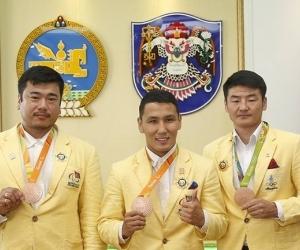"""Олимп, паралимпийн медальтнуудыг """"Хангарьд"""" одонгоор шагналаа"""