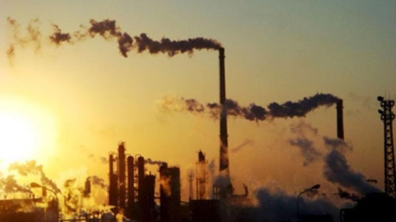 Хятадын 28 хот агаарын бохирдлоо бууруулжээ