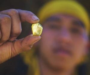 """Ази дахь алтны """"хар зах зээл""""-ийг хятадууд атгадаг"""