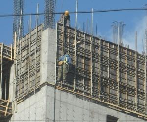 """""""Монгол-Алтай Гоулд"""" компанийн барилгаас хүн унаж гэмтжээ"""