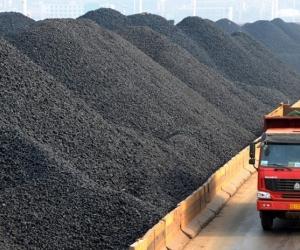 """""""Адуунчулуун""""-ы нүүрсний уурхайд гал гарч 30 га газар шатжээ"""
