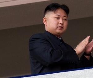 Ким Чен Ун эцгийгээ хөнөөсөн үү