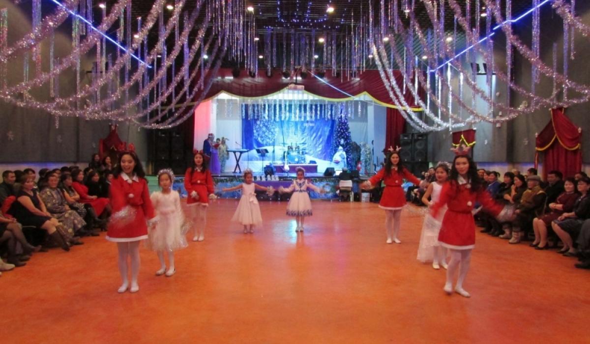 Шинэ жилийн баярт сурагчдыг бүжиглүүлэхгүй байхыг уриалжээ