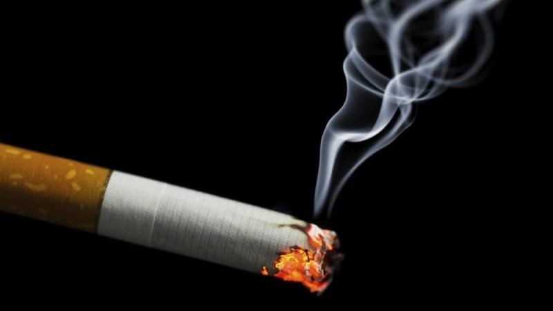 Тамхи татах, архи хэтрүүлэн хэрэглэх нь коронавируст халдвараар өвчлөх эрсдлийг нэмэгдүүлж байна