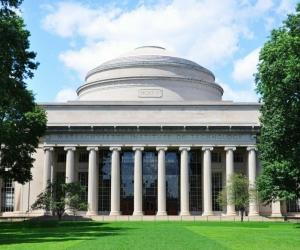Дэлхийн шилдэг их сургуулийн хичээлийг онлайнаар суралцах боломж