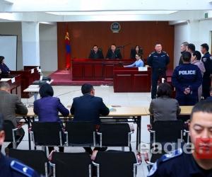 Хохирогчийн талаас С.Баяр шүүх хуралд оролцож байна