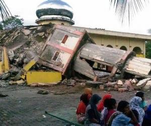 Индонезид 6.5 магнитудын газар хөдлөлт болж, 25 хүн нас барлаа