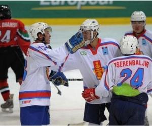 Монголын хоккейчид Тайландын багийг буулгаж авлаа