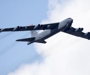 АНУ цөмийн бөмбөгдөгч онгоцуудаа байлдааны бэлэн байдалд оруулна