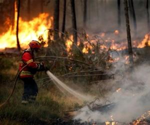 Ойн түймэрт нэрвэгдсэн Португал Европын холбооноос тусламж хүслээ