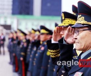 Фото: Генерал цолтнууддаа хүндэтгэл үзүүллээ