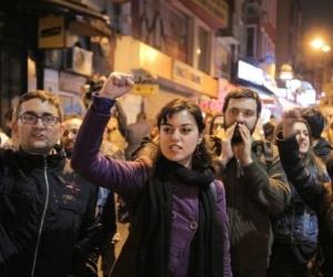 Туркт эсэргүүцлийн хөдөлгөөн өрнөж байна