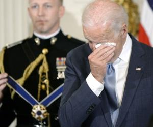 Америкчуудын төлөө шударга ажилласан дэд Ерөнхийлөгч дээд одон медаль хүртлээ