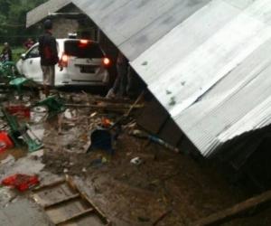 Балид хүчтэй аадар бороо орсны улмаас 12 хүн амиа алджээ