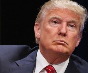 Доналд Трампын  суудал яагаад ганхав