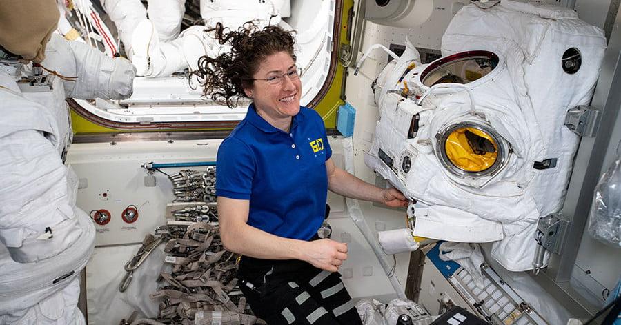 Кристина Кох сансарт хамгийн удаан ажилласан эмэгтэй болов