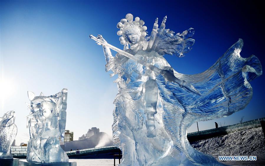 Харбины мөсөн баримлын тэмцээнд Монголын баг түрүүлжээ