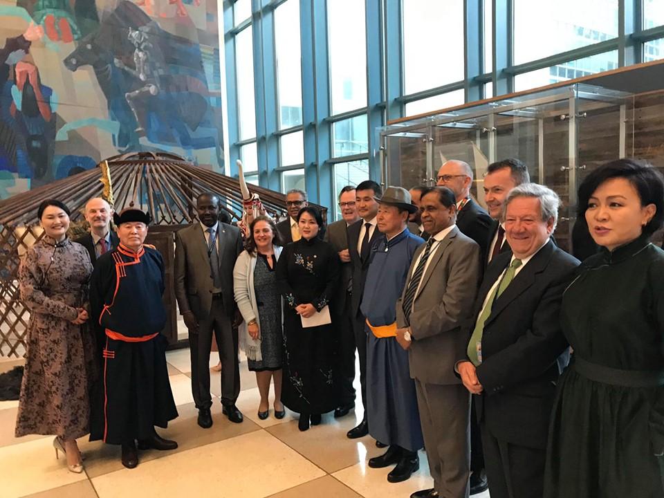 НҮБ-ын төв байранд монгол бичгийн үзэсгэлэн нээгджээ