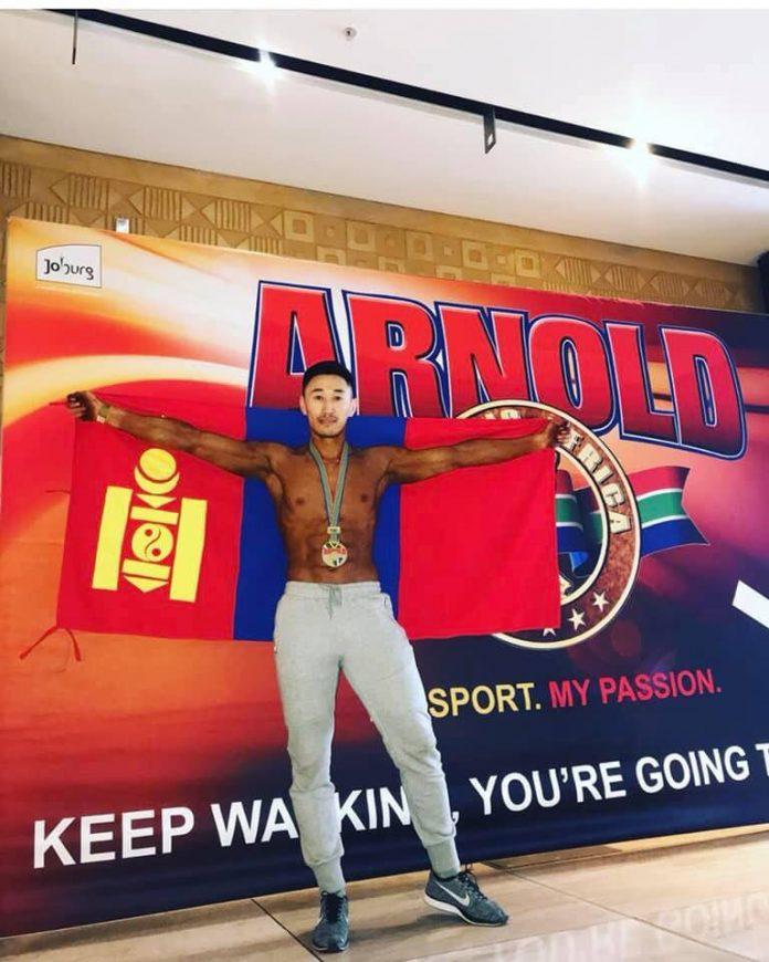 Монгол залуу Бодибилдинг, фитнессийн дэлхийн аварга болжээ