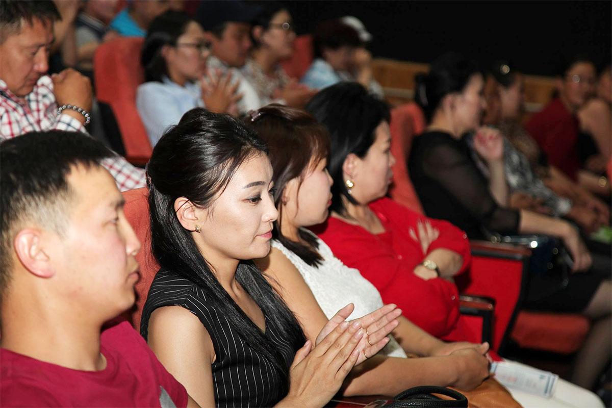 Д.Оюунхорол сайд БЗД-ийн боловсрол, эрүүл мэндийн салбарын төлөөллийг хүлээн авч уулзлаа