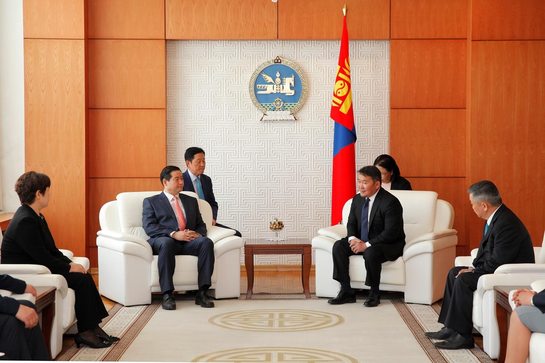 БНСУ-аас Монгол Улсад суух Элчин сайд Жон Жэ Нам Итгэмжлэх жуух бичгээ өргөн барилаа