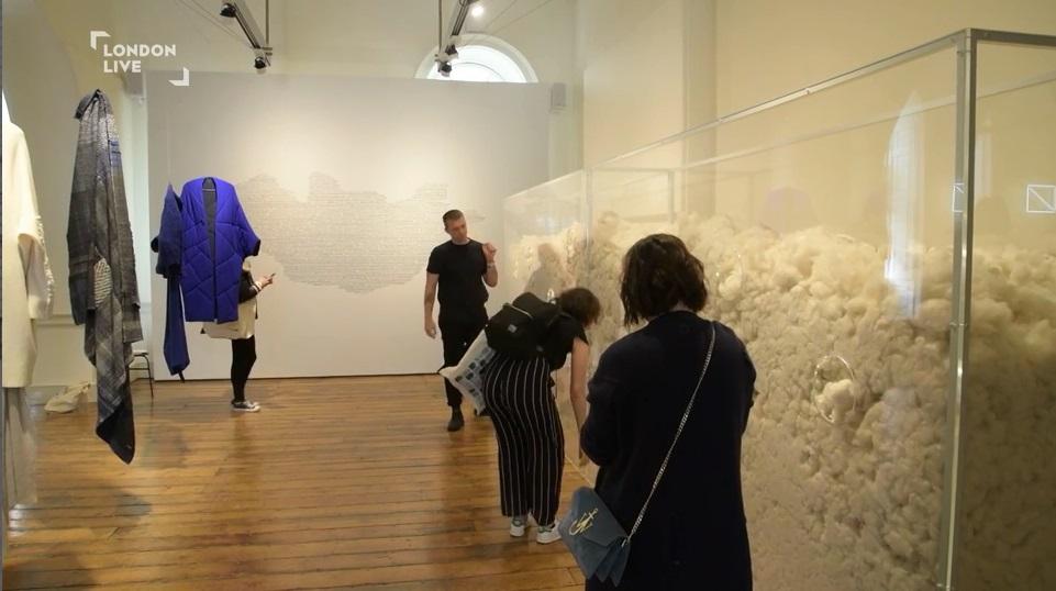 """Монгол дизайнерын """"Ноолууран үүл""""-ийг """"London Design Biennale"""" онцолжээ"""