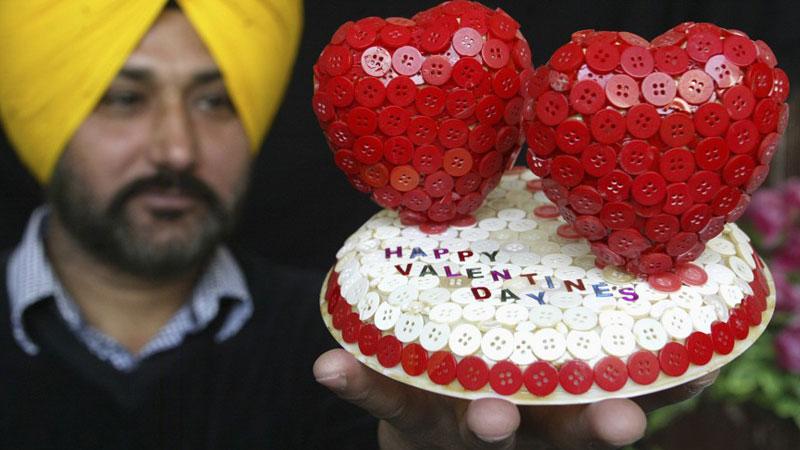 Валентиний баярыг дэлхий дахинд хэрхэн тэмдэглэдэг вэ