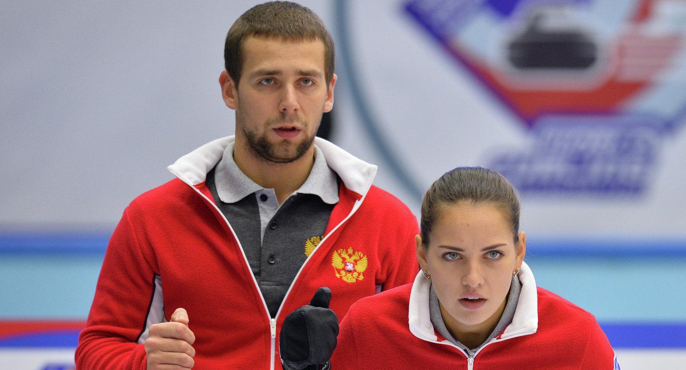 Оросын кёрлингчид медалиа хураалгалаа