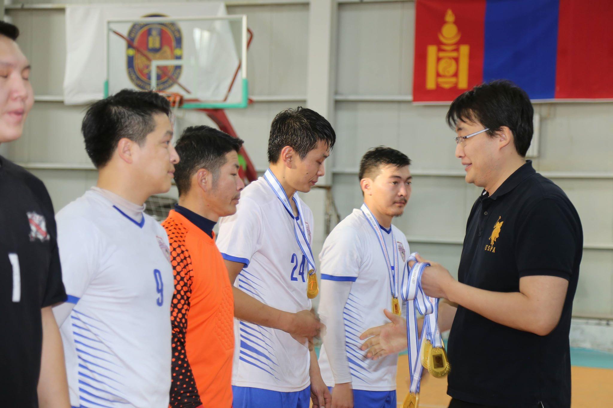 Сонирхогчдын хөлбөмбөгийн футзалны аварга шалгаруулах тэмцээн болжээ