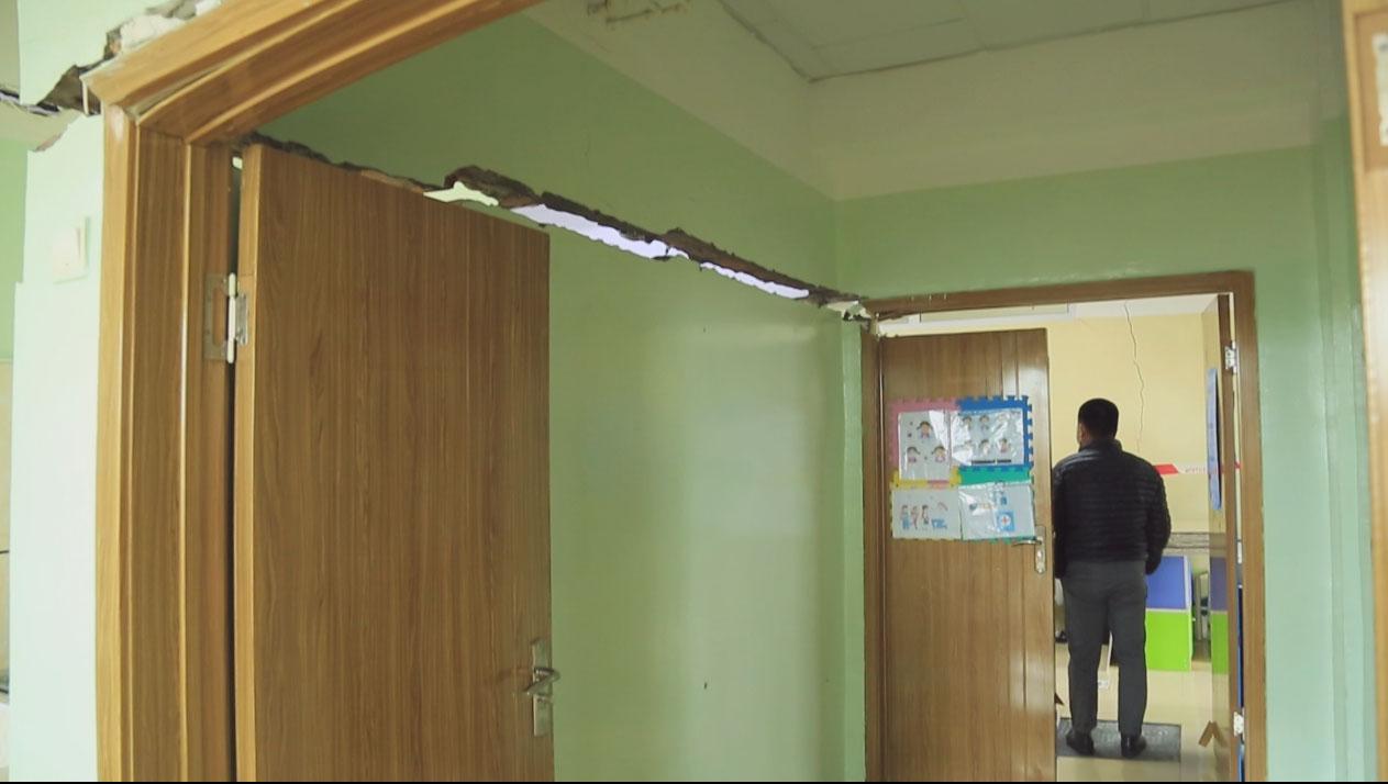 Хана, тааз, шал нь цөмөрсөн Орхон аймгийн сургууль энэ зун урсгал засвар хийсэн байжээ