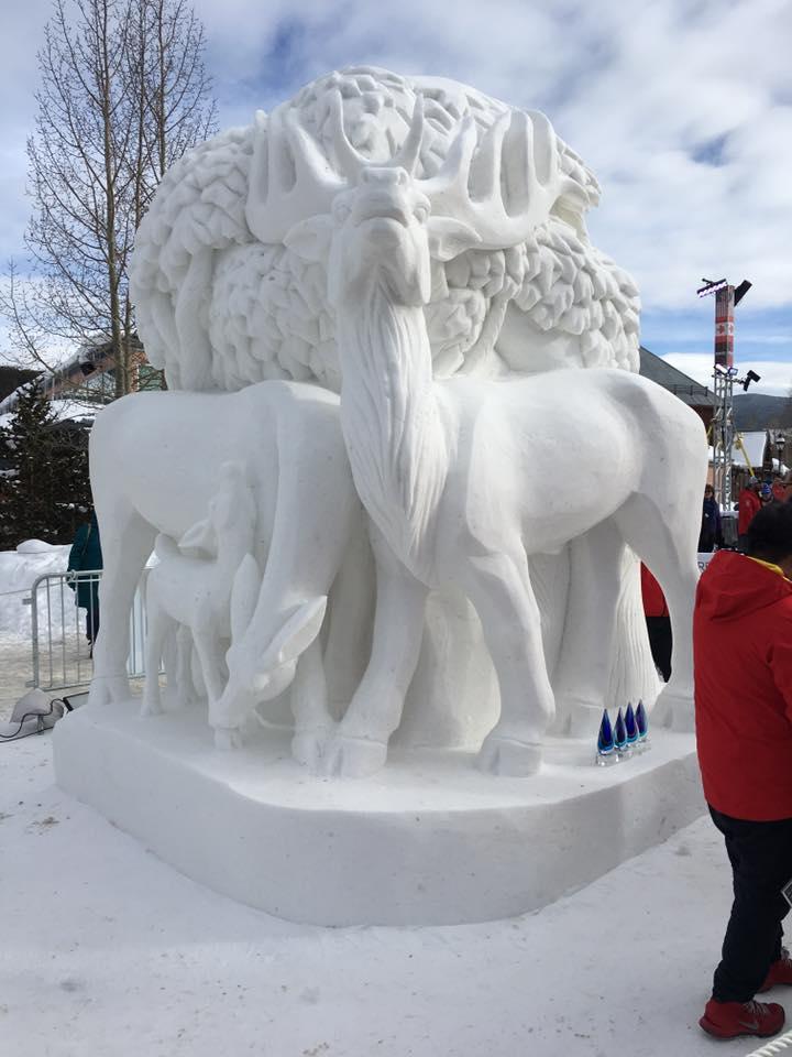 Монголчууд олон улсын цасан баримлын тэмцээнээс хүрэл медаль хүртлээ