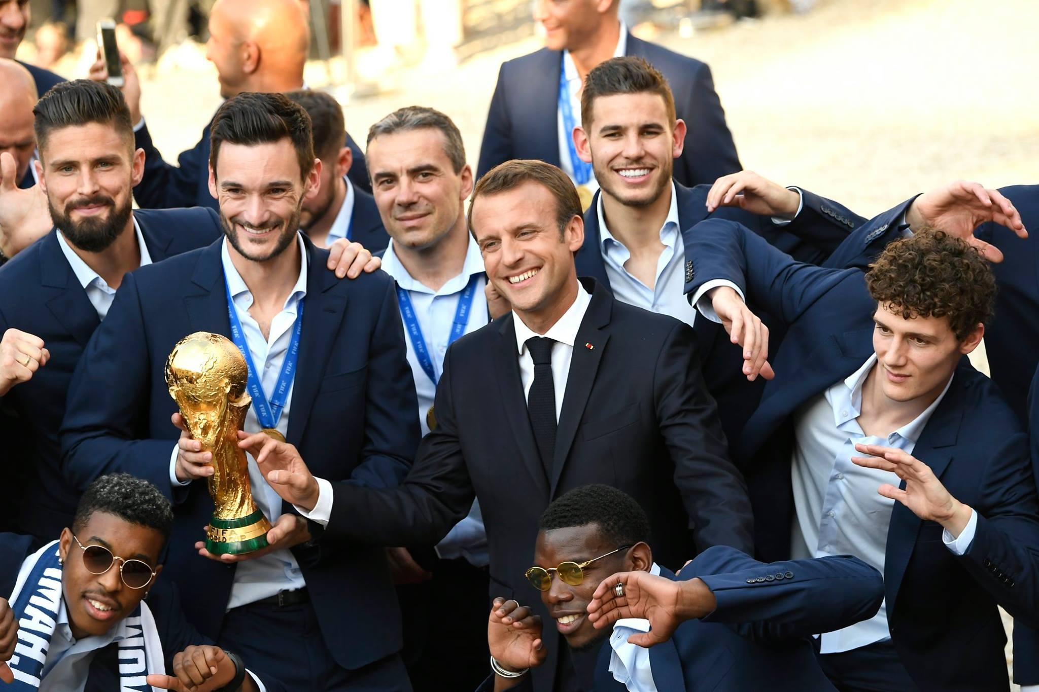 """ФОТО: """"Алтан дагина"""" цомын эзэн Францын шигшээ баг эх орондоо ирлээ"""