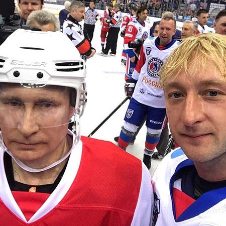 В.Путин долоон шайб оруулж, Е.Плющенкогийн багийг хожлоо