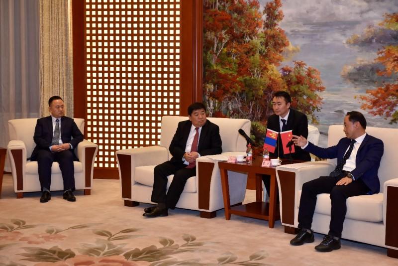 """""""Хятад Монголын олон улсын логистик бүс"""" хамтарсан компанийг байгуулах гэрээнд гарын үсэг зуржээ"""