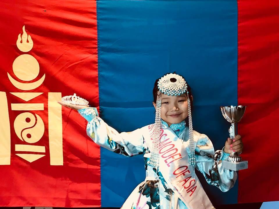 Монгол охидууд Миланаас ганзага дүүрэн шагналтай ирлээ
