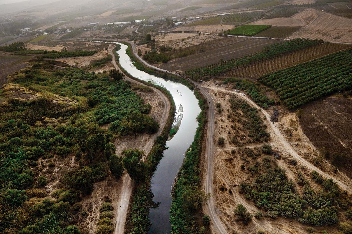 Усны дайны ирмэг дэх улсууд