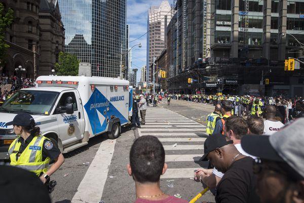 """""""Торонто Рапторс""""-ын парадын үеэр халдлага үйлдсэн этгээдүүдийг барьжээ"""