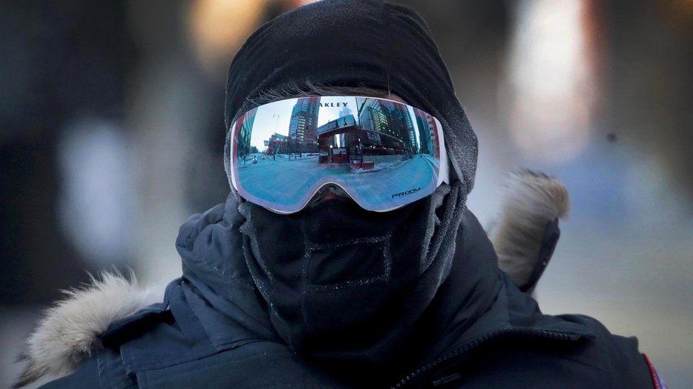 АНУ-д хүйтний улмаас 21 хүн нас баржээ