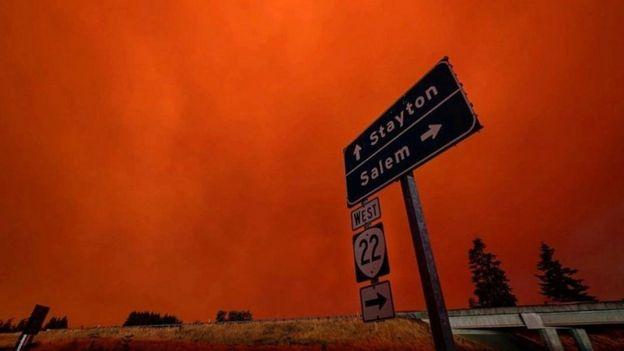АНУ-ын баруун эрэгт аймшигт түймэр дэгдэж байна