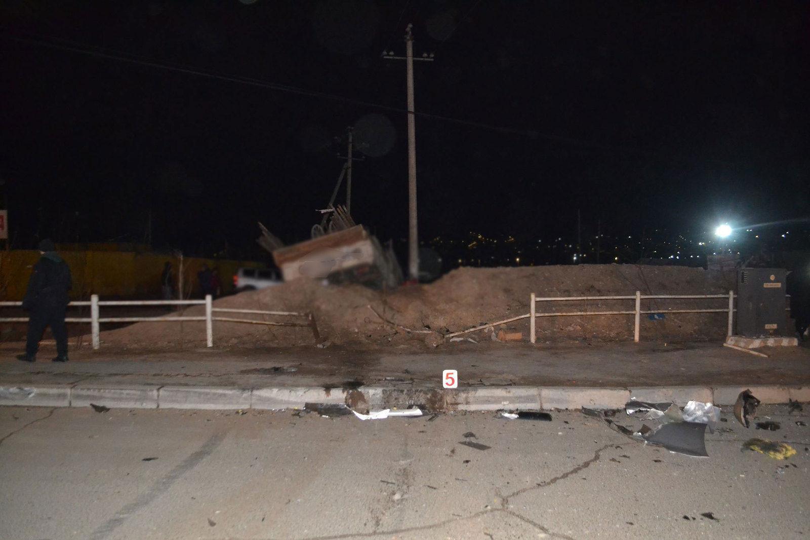 c9f8c9_daxin2_x974 Долоон автомашин мөргөлдсөн осол Баяхошуунд гарчээ